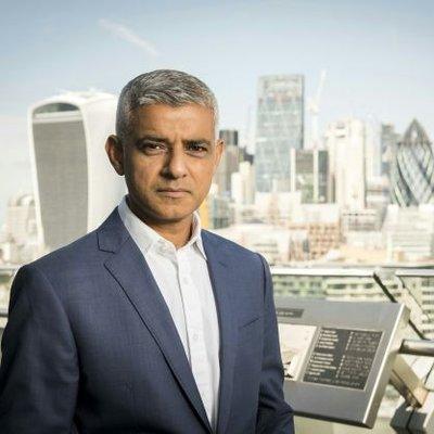 London Mayor calls for 'compulsory' face masks