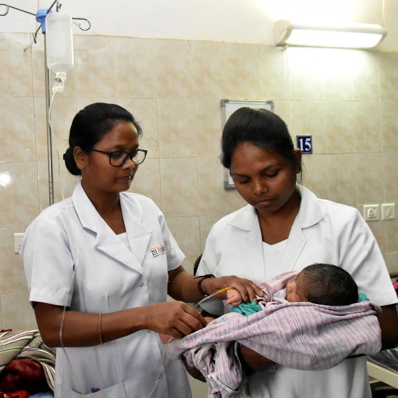 Vijayan pays tribute to Kerala's Florence Nightingales