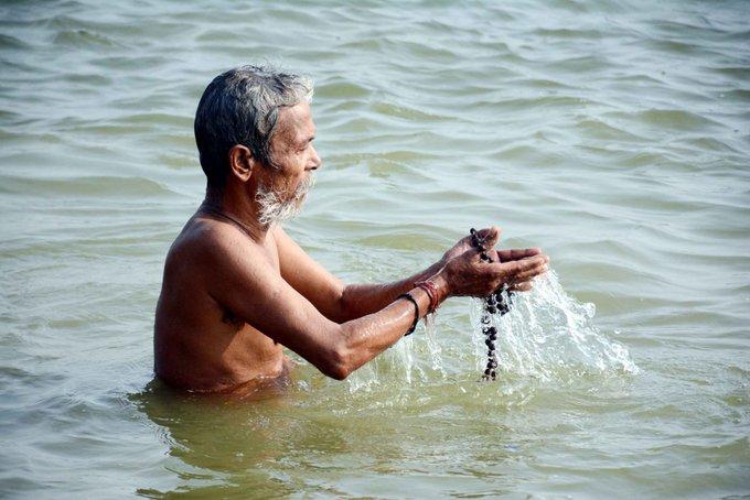 Not just sins, 'Ganga water can end corona'