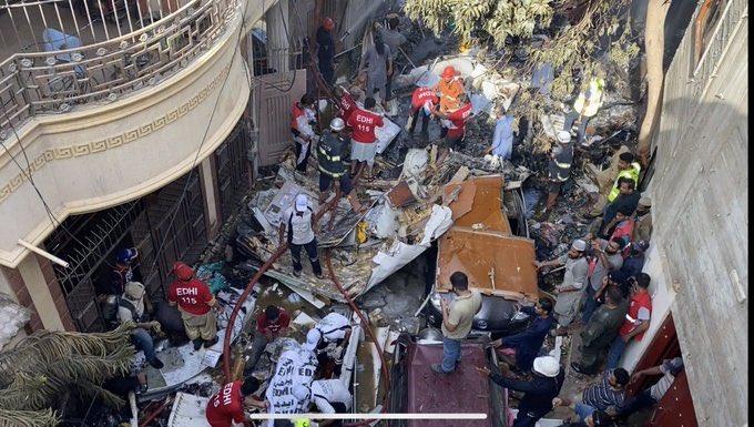 Inquiry initiated into deadly Karachi plane crash
