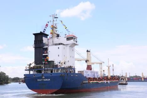 India begins trial transshipments to NE via B'desh's Chittagong